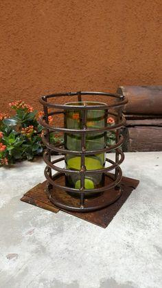 Fanal hierro y vidrio reciclado.