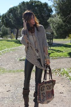 New moda fashion mujer chic sweaters Ideas Look Hippie Chic, Hippie Style, Boho Look, Style Casual, Casual Street Style, Casual Chic, Moda Chic, Moda Boho, Boho Outfits