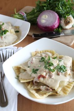 Vegan ravioli with sun-dried tomato cashew cream sauce that looks amazing!!! The instructions could not be more clear and helpful.
