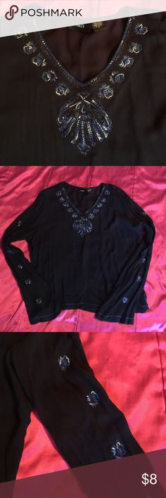 Rue 21 Boho Top XL Awesome, flowy top with beautiful accents on neckline/ sleeves. No flaws Rue 21 Tops Blouses
