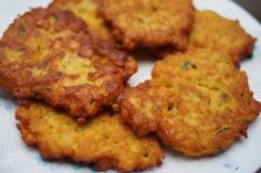 Hihetetlenül egyszerű csicseri-tócsni, ami a krumplisnál is finomabb - Só&Bors Diet Recipes, Cooking Recipes, Healthy Recipes, Hungarian Recipes, Falafel, Penne, Tandoori Chicken, Healthy Eating, Meals