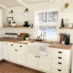 Farmhouse Kitchen Decor, Kitchen Redo, Home Decor Kitchen, Kitchen Interior, New Kitchen, Home Kitchens, Island Kitchen, Small Kitchens, Soapstone Kitchen