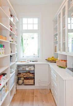 17 Awesome Pantry Shelving Ideas to Make Your Pantry More Organized Pantries are useful, but can quickly become messy and unorganized. Explore simple shelving ideas for pantry to spice up your kitchen storage and get things in order. Kitchen Pantry Design, New Kitchen, Kitchen Dining, Kitchen Decor, Dining Room, Kitchen Ideas, Funny Kitchen, Kitchen Counters, Kitchen Designs