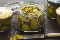 This moreish pickle from reader Susan Godinet won our reader recipe competition for preserves. It's simply-made, helps use up a glut of zucchini and is a superb accompaniment to hard cheeses and cold cuts. Chutney Recipes, Jam Recipes, Yummy Zucchini Recipes, Recipe Zucchini, Pickled Gherkin Recipe, Zucchini Pickles, Christmas Ham, Fig Jam, In Season Produce