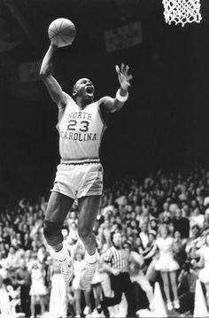 6888b1fd300  23 Michael Jordan. Great vintage photo - MJ wore Converse 🌟 in college b4
