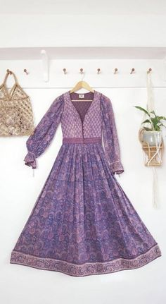 Best Dress Indian Style Gypsy 25 Ideas When you are nearly anything such as Indian Long Dress, Dress Indian Style, Indian Dresses, Indian Outfits, Cotton Long Dress, Gauze Dress, Cotton Dresses, Stunning Dresses, Beautiful Outfits
