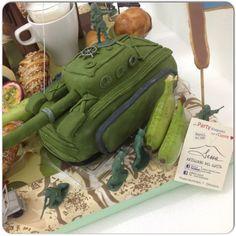 Really #pretty to see the #war so #sweet#military#Party#breakfast #sessaspecialeventandcakes #breakfasttable #croissant #chocolate#cupcakes #donuts#soldies#hearth#Green#mimetica#mimetic#bridge#briedgeCookies#kiwi#tank#TankCake#helmet#green#juice#sfogliatella#cappuccino