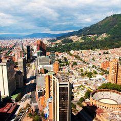 Diez millones de personas habitan la vibrante, pasional y floreciente Bogotá. La energía de este centro metropolitano de Colombia se debe, en parte, a los cientos de lugares eclécticos y auténticos para ir a comer. #bogota #igbogota #ig_bogota #igersbogota #lovebogota #colombia #colombia_greatshots #igcolombia #nature #ignature #igersnature #lovecolombia #lovescolombia #loves_colombia #capture #igcaptures #igcapturesclub  #primerolacomunidad  #colombia_folklore  #captures_Colombia