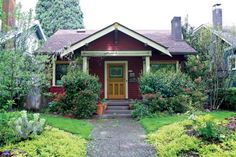 The Ladd's Addition neighborhood in Portland, Oregon, harbors a wealth of Arts & Crafts-era houses.