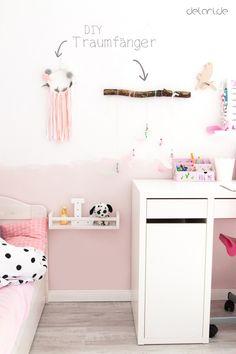 Kinderzimmer Ideen Mädchen DIY Bücherregal Traumfänger Schreibtisch - www.delari.de