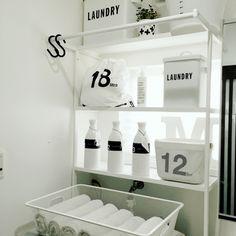 Queenbeeさんの、バス/トイレ,IKEA,収納,シンプル,白黒,モノトーン,見せる収納,MONOTONE,白黒 収納,暮らし,洗面所 収納,スッキリ収納,白黒マニア,洗面所棚,シンプル収納,のお部屋写真
