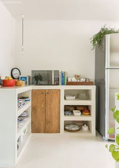 Dress up the kitchen furniture with a small budget - Home Fashion Trend Beach House Kitchens, Cottage Kitchens, Home Kitchens, Farmhouse Furniture, Kitchen Furniture, New Kitchen, Kitchen Decor, Concrete Kitchen, Small Room Bedroom