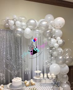 White & silver organic balloon garland Silver Party Decorations, Bridal Shower Decorations, Balloon Decorations, Birthday Party Decorations, Birthday Parties, Happy Birthday Babe, 25th Wedding Anniversary, Baby Shower Winter, White Balloons