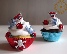Super cute tattoo cupcakes by rockabilly Cute Cupcakes, Baking Cupcakes, Cupcake Cakes, Cup Cakes, School Cupcakes, Cupcake Art, Cupcake Ideas, Dessert Ideas, Cupcake Toppers