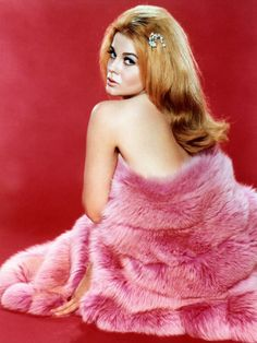 Ann-Margret in a Pink Fur Coat is listed (or ranked) 14 on the list The 20 Hottest Ann-Margret Photos Ann Margret Photos, Pink Fur Coat, Vintage Hollywood, Classic Hollywood, Hollywood Glamour, Hollywood Actresses, How To Pose, Famous Men, Classic Beauty