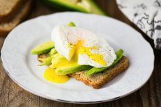 This Egg and Avocado Toast is so tasty! #eggtoast #avocadotoast