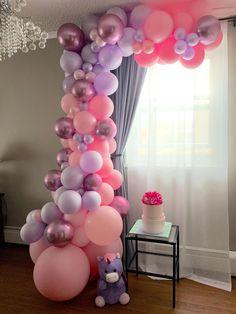 Butterfly Balloons, Purple Balloons, Big Balloons, White Balloons, Number Balloons Birthday, Birthday Balloon Decorations, Birthday Garland, Balloon Pillars, Bridal Shower Balloons
