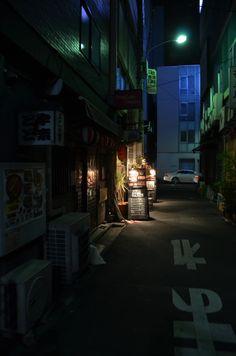 """iesuuyr:""""Tokyo alley by William """""""