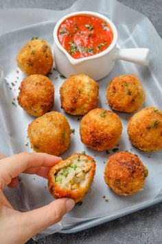 Creamy Mushroom and Pea Arancini (Fried Risotto Balls) from Jessica Uy of thefoodietakesflight from Manila, Philippines. Creamy Mushrooms, Stuffed Mushrooms, Delicious Vegan Recipes, Vegetarian Recipes, Vegan Meals, Risotto Balls, New Recipes, Cooking Recipes, Dinner Recipes