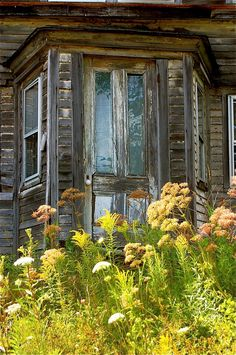 crumpling, neglected farmhouse in Maine. (by birdman)