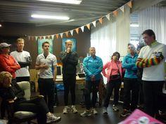 Eerste training team Regenboogboom 17 maart 2013. Instructie van Jan de Groot van Fit In Motion voordat aan de training wordt begonnen.