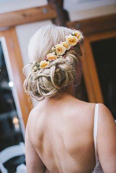 Peach-roses-in-wedding-hair-style