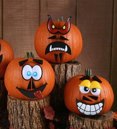 Crazy Pumpkin Faces Decorating Kit This crazy Pumpkin faces decorating kit includes a total of 24 plastic-pegged pieces that kids can use to easily decorate their Halloween pumpkins. Have fun mixing and matching eyes, mouths, noses, Dog Pumpkin, Unicorn Pumpkin, Scary Pumpkin, Pumpkin Faces, Cute Pumpkin, Pumpkin Carving, Pumpkin Ideas, Halloween Decorations For Kids, Halloween Costumes For Kids
