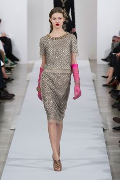 Oscar de la Renta at New York Fashion Week Fall 2013 - StyleBistro #lindseywixson