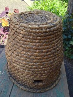 Bee decor and vintage bee hive home decorating. Shop for bee and beehive jewelry, beehive art and home decor and other handmade vintage bee goods for your little hive. Million Flowers, Bee Do, Bee Skep, Bee Boxes, Garden Basket, Vintage Bee, Birds And The Bees, Cute Bee, Bee Happy