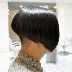 Graduated Bob Haircuts, Edgy Haircuts, Stacked Bob Hairstyles, Girls Short Haircuts, Cute Hairstyles For Short Hair, Short Hair Cuts, Short Hair Styles, Wild Hairstyles, Shaved Bob