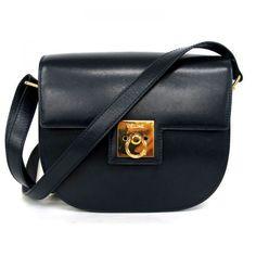 【中古】CELINE(セリーヌ) ショルダー バッグ レザー ネイビー ゴールド金具/新品同様・極美品・美品の中古ブランド時計を格安で提供いたします。