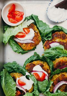 Golden split pea patties are vegan and gluten-free. With a base of split peas, potatoes, carrots, and other pantry staples, this recipe is simple… Healthy Food Blogs, Whole Food Recipes, Healthy Recipes, Bean Recipes, Healthy Foods, Vegan Vegetarian, Vegetarian Recipes, Chickpea Recipes, Falafels
