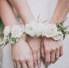 2015 wedding trends - flowers - bridesmaid corsages