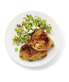 Lemon and Garlic Grilled Chicken With Lima Bean Salad: Add sunny Mediterranean notes to the chicken by marinating it in lemon, garlic, and oregano. Lemon and Garlic Grilled Chicken With… Easy Chicken Thigh Recipes, Grilled Chicken Recipes, Recipe Chicken, Chicken Ideas, Grilled Chicken Thighs, Garlic Chicken, Chicken Saute, Baked Chicken, Cooking Recipes