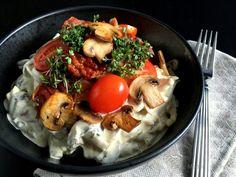 Lækker hønsesalat med asparges og champignons... - MADEN I MIT LIV!