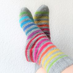 Ravelry: Rainbow pattern by Michaela Richter Wool Socks, Knitting Socks, Hand Knitting, Knitting Patterns, Rainbow Socks, Knit Art, Rainbow Fashion, Rainbow Crafts, Stockings