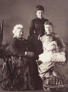 Smiling Queen Victoria (Queen Victoria, Princess Beatrice, Princess Victoria and her daughter Princess Alice, April 1886)