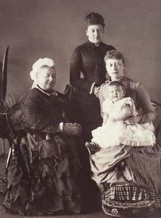 Smiling Queen Victoria (Queen Victoria, Princess Beatrice, Princess Victoria and her daughter Princess Alice, April 1886)