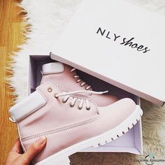 Ideas For Sneakers Femme Style Nike Shoes Shoes Sneakers, Shoes Heels, Pumps, White Sneakers, Flat Shoes, Cute Shoes, Me Too Shoes, Dream Shoes, Ballerinas