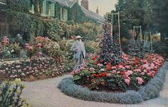 Claude Monet is among the most celebrated Impressionist painters of all time. His magnificent 1908 work, Nympheas, is the top lot in Sotheby's upcoming Impressionist & Moderrn Art sale on 19 June. Monet Garden Giverny, Royal Academy Of Arts, Camille Pissarro, Art Courses, Garden Painting, Summer Landscape, Water Lilies, Pictures Images, Amazing Pictures