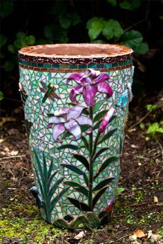 Top 17 Beauty Mosaic Garden Decor Designs – Start An Easy Backyard Project - Easy Idea Mosaic Planters, Mosaic Vase, Mosaic Flower Pots, Mosaic Tiles, Pebble Mosaic, Mosaic Crafts, Mosaic Projects, Sicis Mosaic, Mosaic Madness