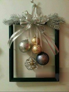 60 DIY Picture Frame Christmas Wreath Ideas that totally fits your Budget - Hike. 60 DIY Picture Frame Christmas Wreath Ideas that totally fits your Budget - Hike n Dip Christmas Frames, Noel Christmas, Rustic Christmas, Simple Christmas, Christmas Wreaths, Christmas Ornaments, Handmade Christmas, Christmas Lanterns Diy, Elegant Christmas Decor