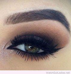Nice brown eye makeup for green eyes