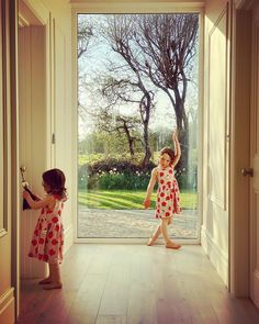 "Home&Lifestyle By Sarah Battle on Instagram: ""And that's a wrap on Easter 🐣  One we will never forget. Have a lovely Evening 🍎 . . . . . . . . #irishinteriors #treescape #treescapes…"" We Will Never Forget, Battle, Easter, Summer Dresses, Lifestyle, Link, Glass, Instagram, Summer Sundresses"