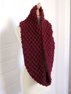 knit, big wool, free pattern in french - Tricot 02 Crochet Wool, Crochet Shoes, Diy Scarf, Cowl Scarf, Big Wool, Crochet Projects, Free Pattern, Knitting Patterns, Point