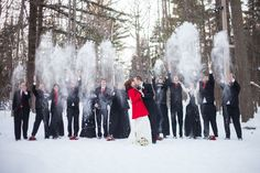Love this fun way to take advantage of a snowy wedding day!