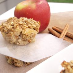 apple cinnamon oatmeal cups from happy healthy mama  Mmmm maybe cranberries instead of apple?