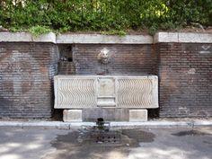 Fontana di via delle Terme di Tito