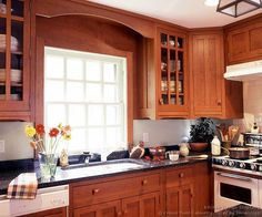 #Kitchen of the Day: Craftsman Kitchens. (By Crown Point Cabinetry)