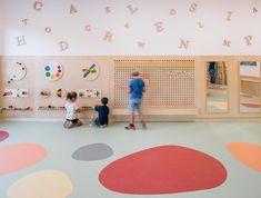 Kindergarten Interior, Kindergarten Design, Kids Play Area, Kids Room, Kids Salon, Daycare Design, Parents Room, Kids Library, Healthcare Design